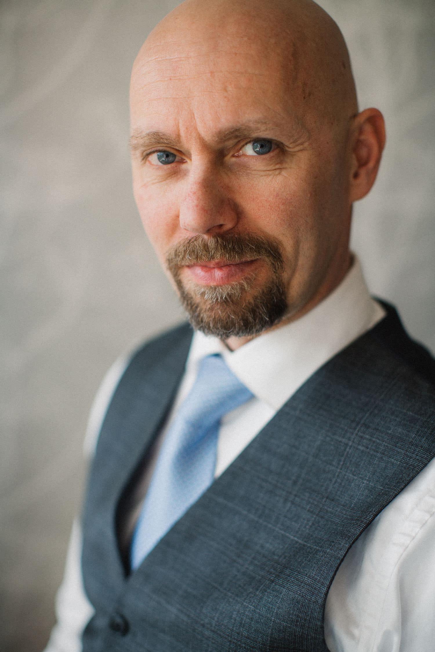 Porträtt på Thomas Näslund, studio. Foto: Tove Lundquist.