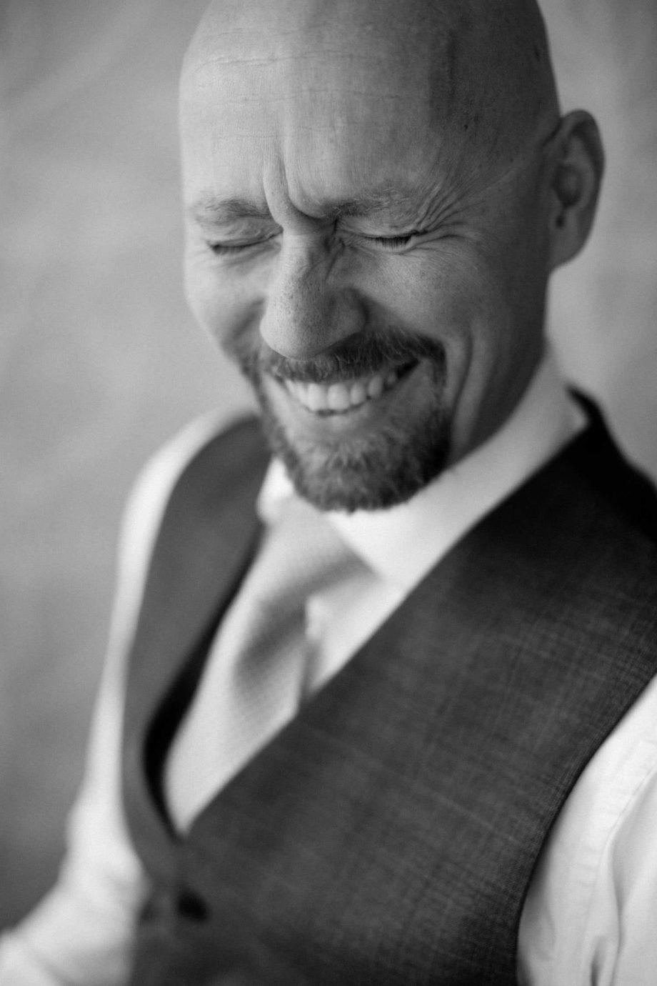 Svartvitt porträtt på Thomas Näslund. Foto: Tove Lundquist.