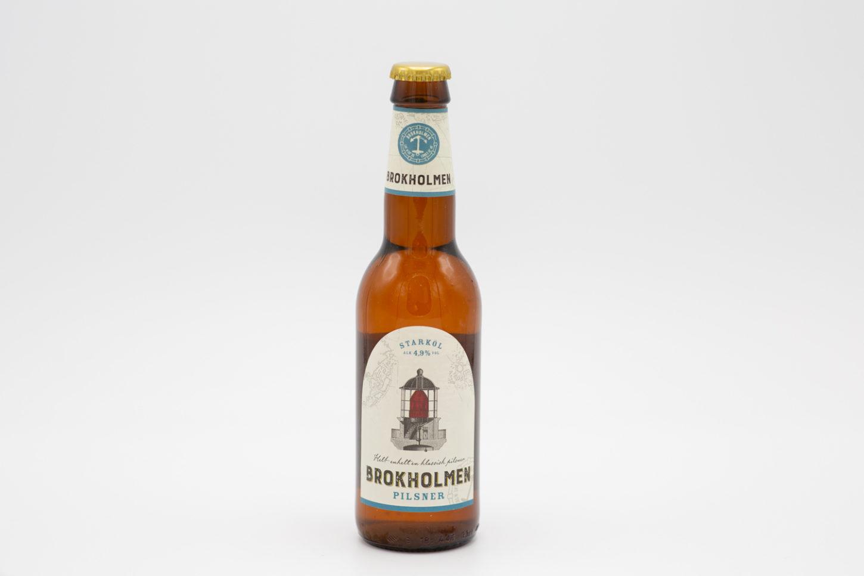 En recension på affluenza.se av ölsorten Brokholmen Pilsner, ölet är tillverkad i Sverige. Klassas som Pilsner - tysk stil. Producent samt leverantör är Sundance Wines AB.